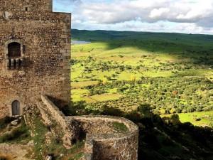 Vista del paisaje desde el castillo de Burguillos del Cerro.
