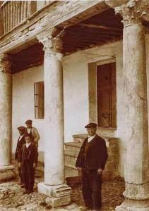 Porche de la Casa Prioral de San Román de la Hornija.  Estado a comienzos del siglo XX (Catálogo Monumental de la Provincia de Valladolid)